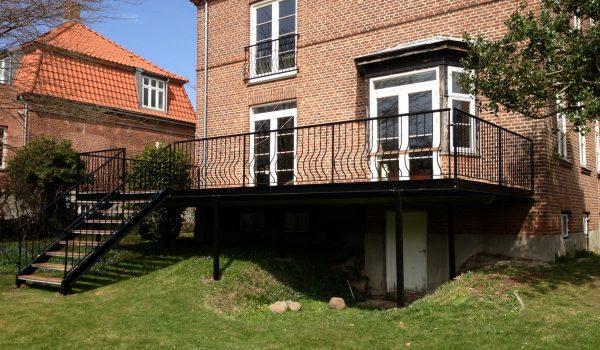 Terrasse Med Trappe Til Have